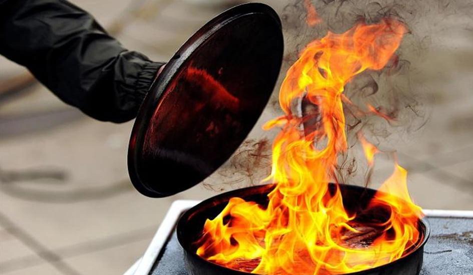 Дії під час масляної пожежі на кухні